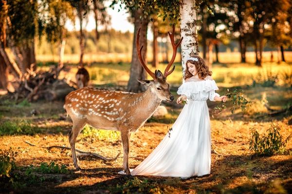 Фотосессия с оленями в зоопарке Горки